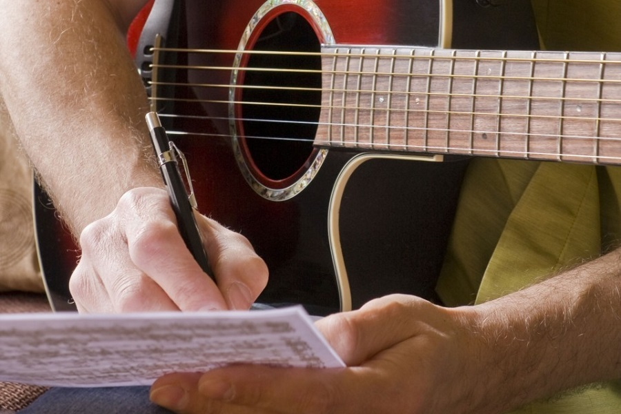 Можно ли научиться писать песни?